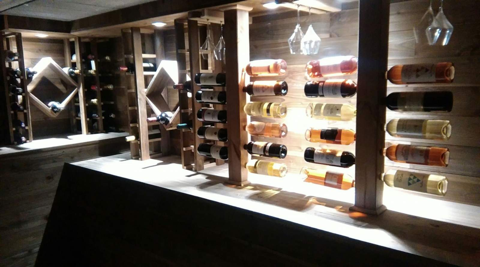 climatisation de votre votre cave vin par france. Black Bedroom Furniture Sets. Home Design Ideas